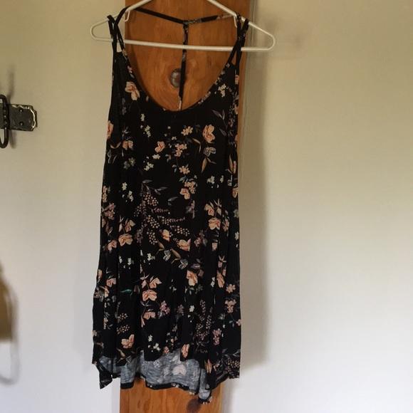 O'Neill Dresses & Skirts - O'Neil black floral 🌸 flowery  dress